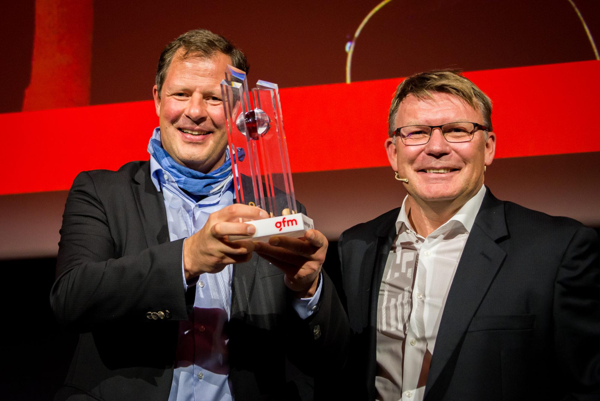 Thomas Oetterli (CEO Schindler), Stefan Michel (IMD)
